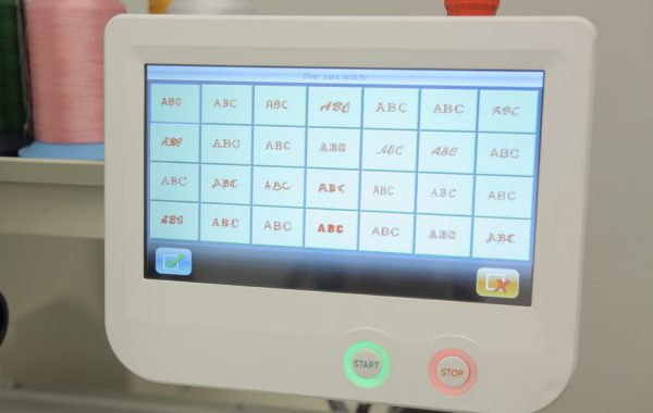 Monogramming Touch Display – Set lettering on your embroidery machine